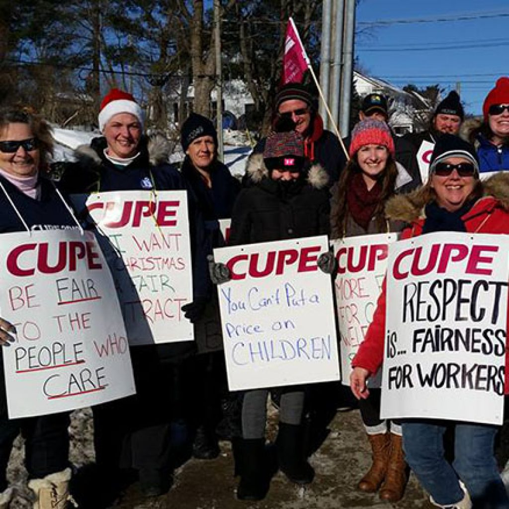 Locked-out children's aid workers charge Nipissing and Parry Sound CAS with trying to keep public in the dark
