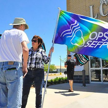 CUPE 2361 - NEWS - Union pickets outside Simcoe LCBO