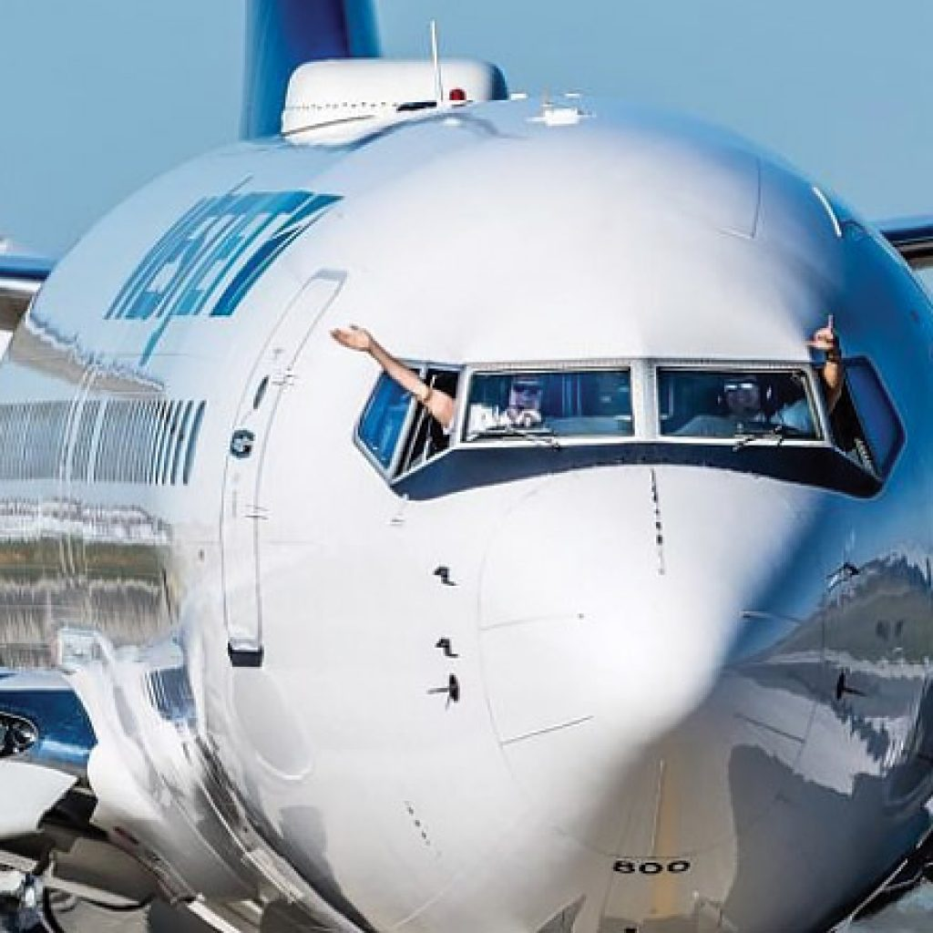 3,000 WestJet cabin crew officially unionized, CUPE says