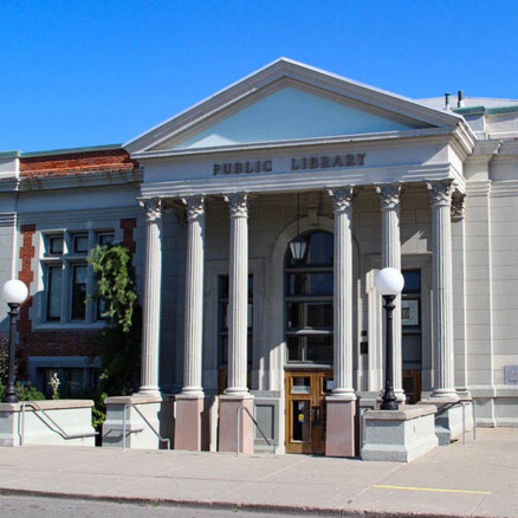 Woodstock library workers and library board reach tentative settlement