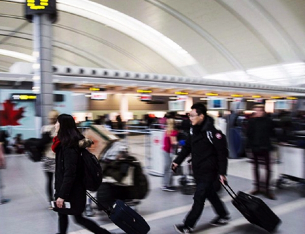 700 baggage handlers, ground crew at Pearson Airport on strike