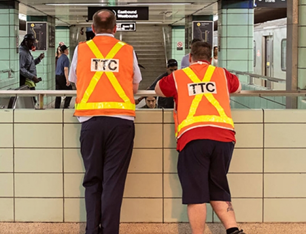 TTC workers call for mass strikes and free public transit