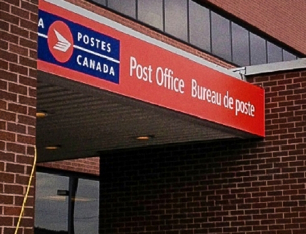 Unions says Canada Post contract talks have 'a long way to go'