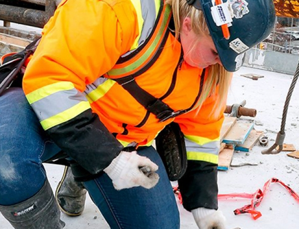 National maternity strategy needed for industry women, stresses the Building Trades