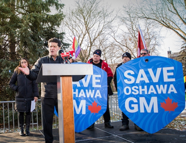 Workers rally to save Oshawa GM plant